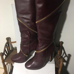 Diane Von Furstenberg Burgandy, sexy zipper boots